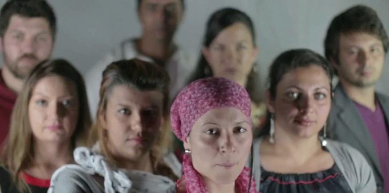 Nous sommes Roms et nous avons les mêmes droits. Amnesty